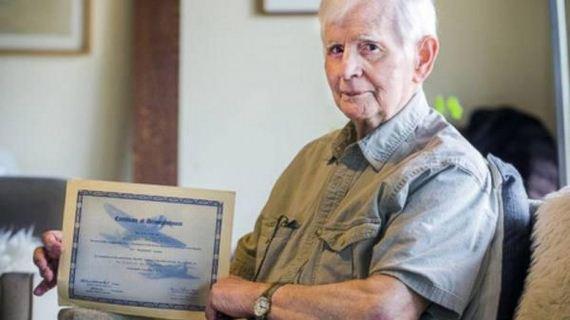 a-94-year-old-man-graduates