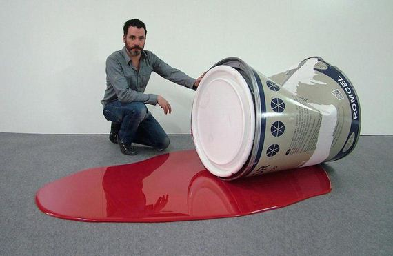 artist-creates-giant-versions