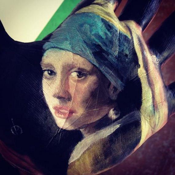artist-paints-realistic-portraits