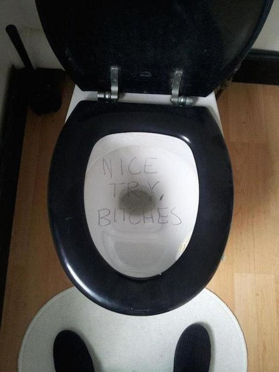 Bathroom pranks are a special type of evil - Barnorama