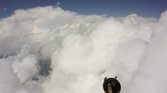 camera_above_the_clouds