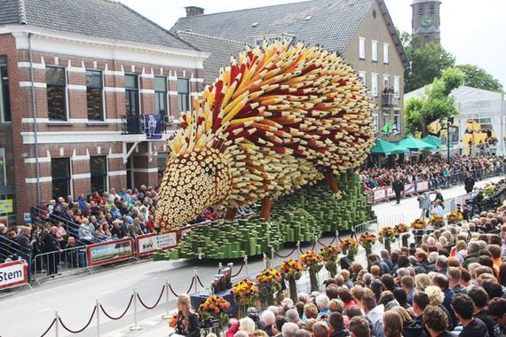 giant_flower_sculptures