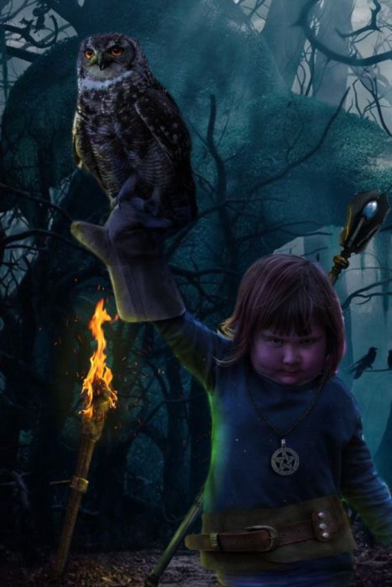 girl_holds_an_owl