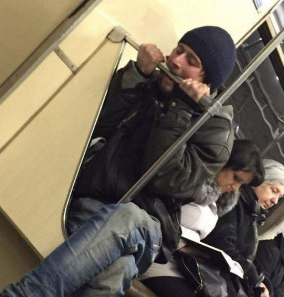 people-strange-subway