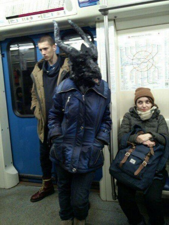people-strange-subway