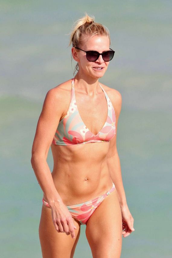 Kayte walsh bikini candids in miami barnorama