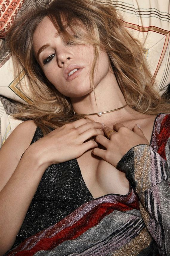Suki-Waterhouse2