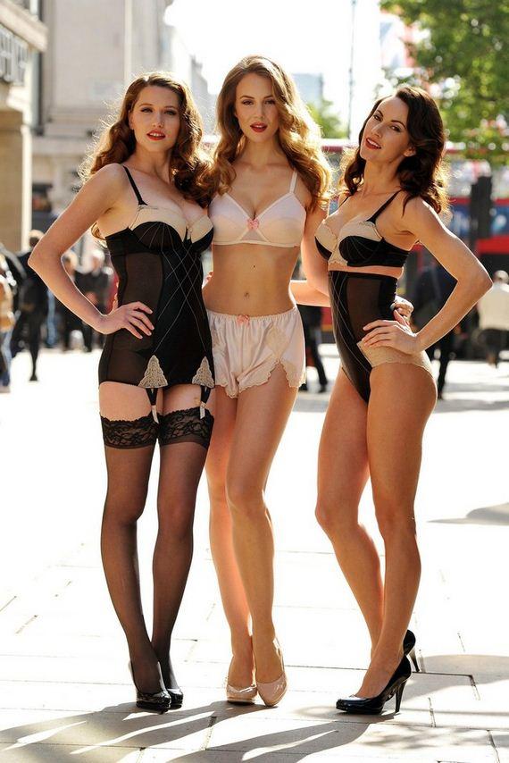 Women-in-Lingerie-11