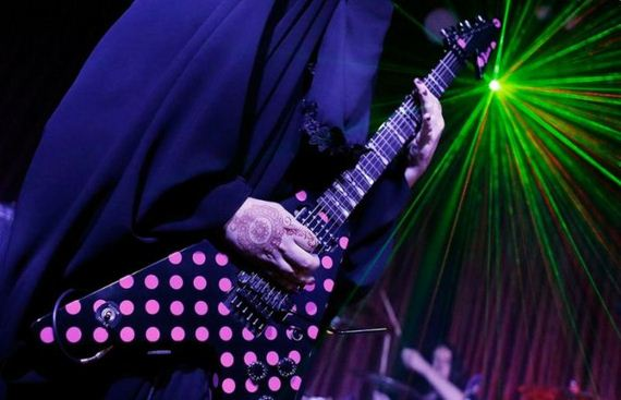 burqa_wearing_rock_guitarist