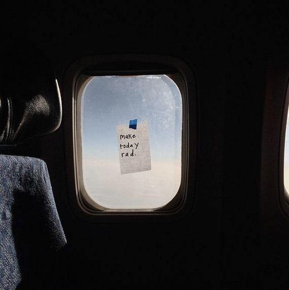 flight_attendant_leaves_notes