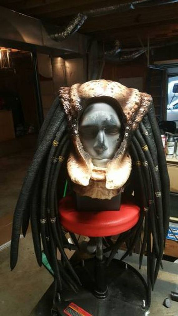Cosplayer Creates Predator Costume That Looks Just Like