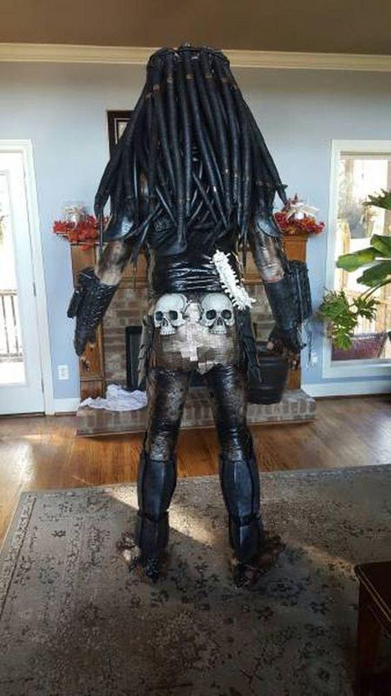 Cosplayer Creates Predator Costume That Looks Just Like