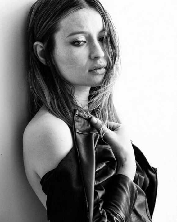 Emily-Browning -Interview