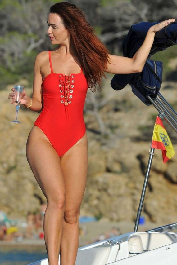 Jennifer-Metcalfe-in-Red