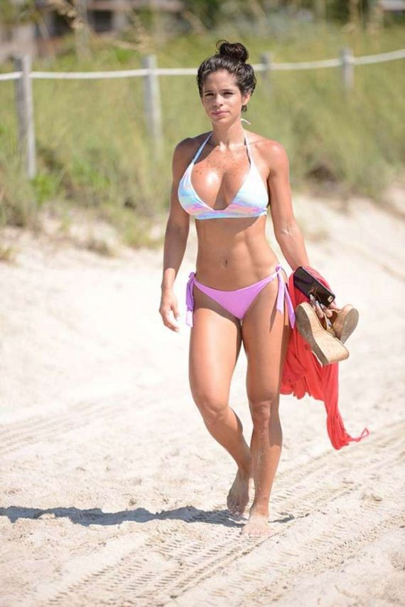 Michelle-Lewin-in-Bikini