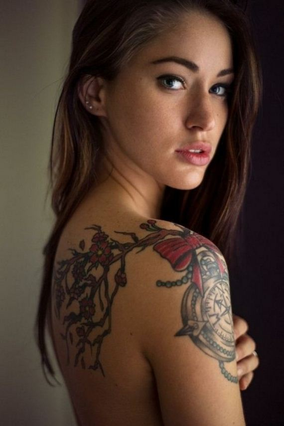 Women-with-Tattoos-11