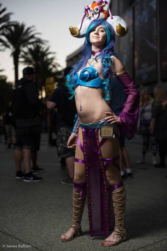 Most Interesting Facts >> All The Most Awesome Cosplay Pictures From BlizzCon 2015 - Barnorama