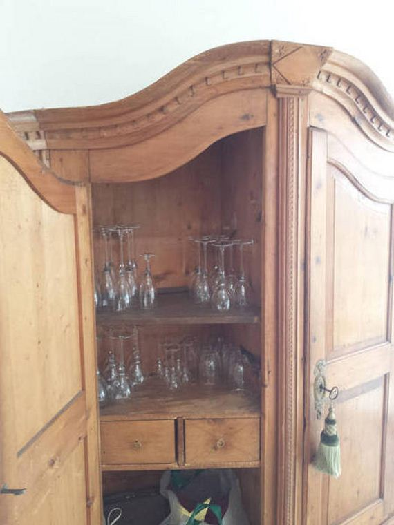 old_cabinet_contained