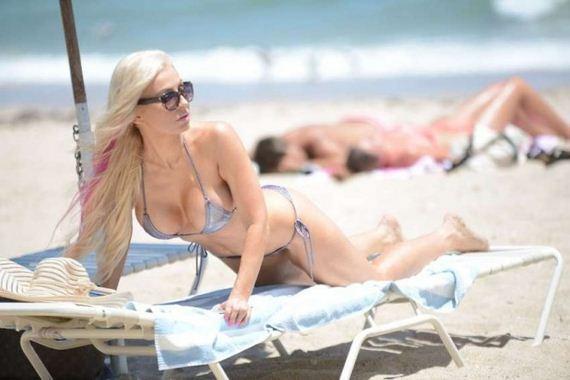 Ana-Braga-in-Bikini