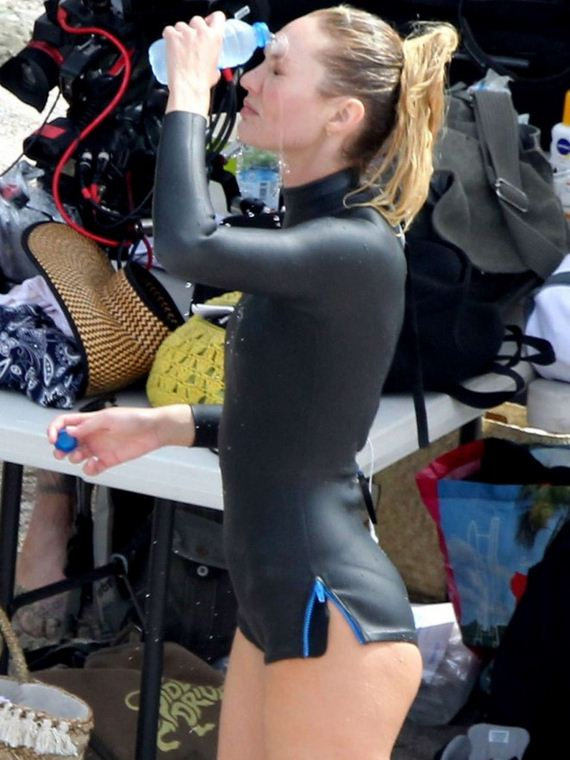 Candice-Swanepoel-in-Wetsuit