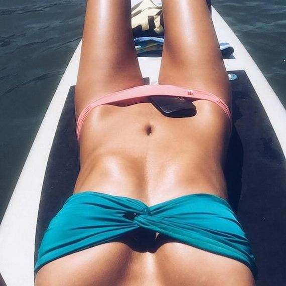 Girls-in-Bikinis-12