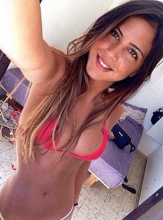 Girls-in-Bikinis