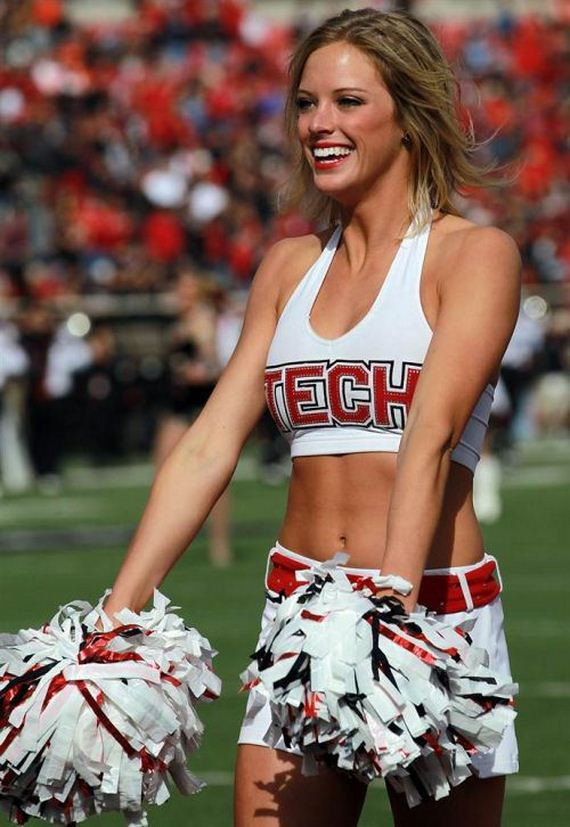 college-cheerleaders