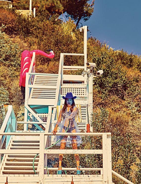 Selena-Gomez-w