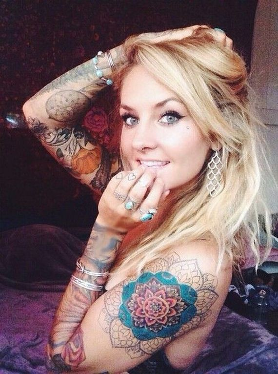 Women-with-Tattoos-2-27