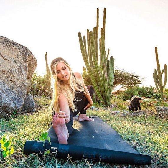 yoga-goat-penny-rachel-brathen