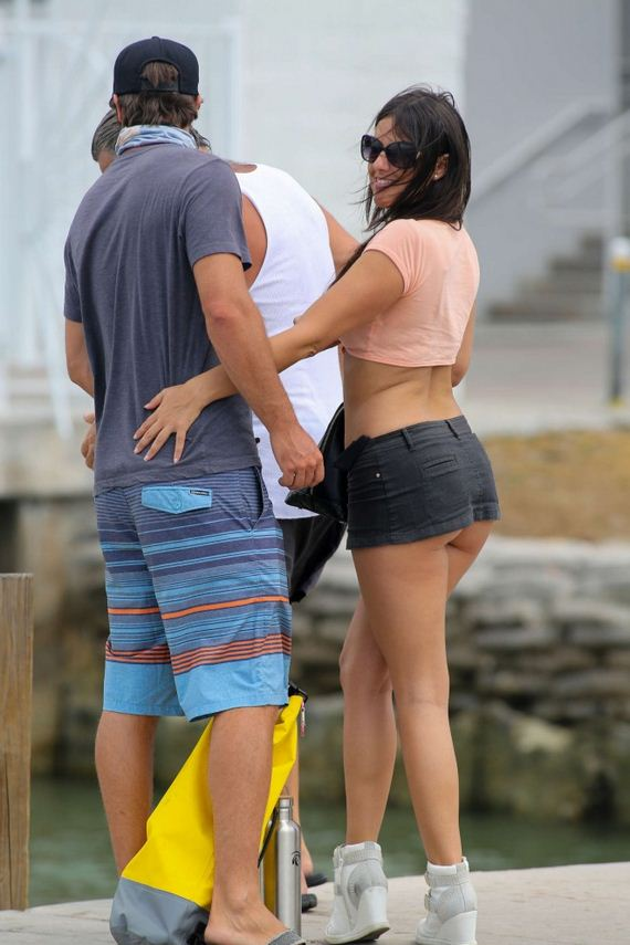 Claudia-Romani-in-Short-Skirt