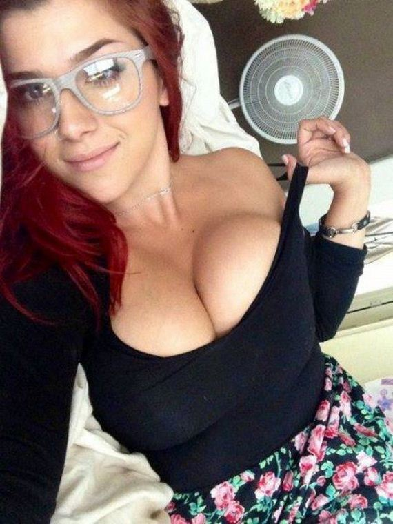 Girls-Wearing-Glasses