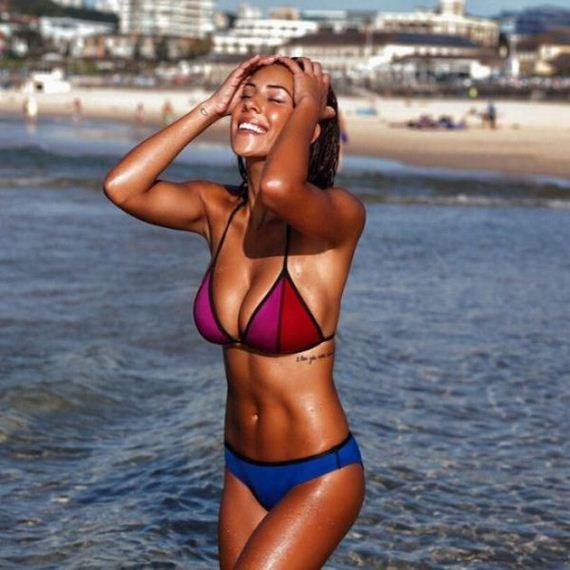 Girls-in-Bikinis-3-9