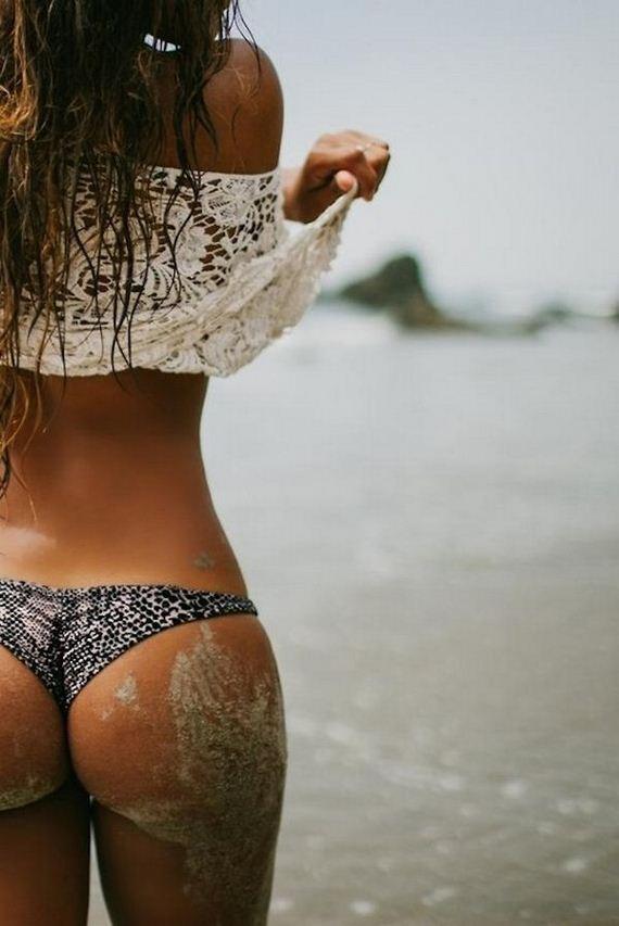 Girls-in-Bikinis-5-21