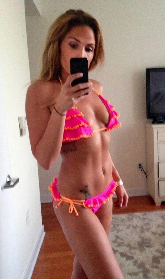 Girls-in-Bikinis-6-7