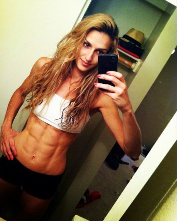 Girls-with-Abs-5-9