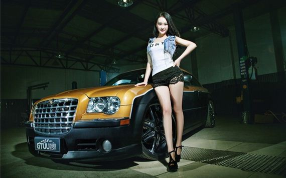 Girls-with-Cars-5-02