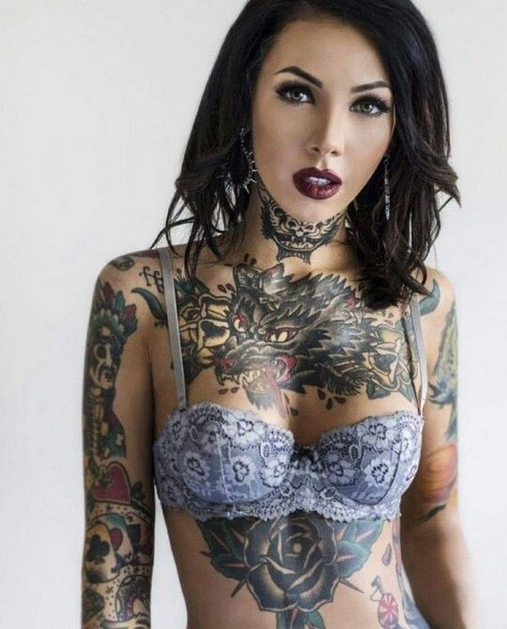 Women-with-Tattoos-5-17