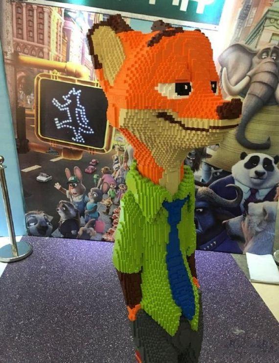 boy-destroys-lego-fox-exhibit-statue