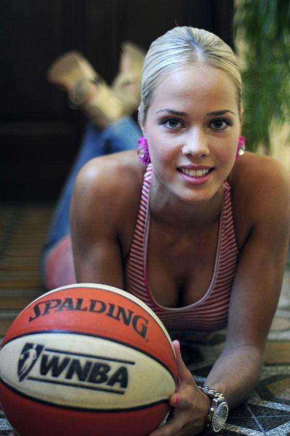 Antonija Sandric, The Basketball Barbie - Barnorama-3615