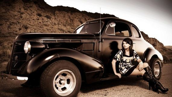 Girls-with-Cars-10-10