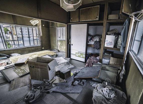 abandoned_shops