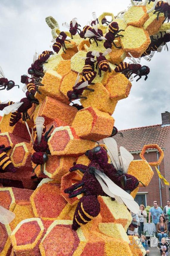 flower_sculpture_parade