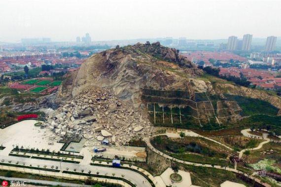 giant_rockslide_slams_into_park