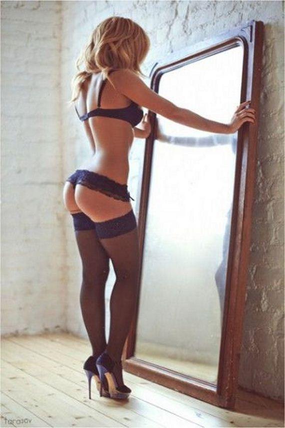 girls-in-lingerie-10-24
