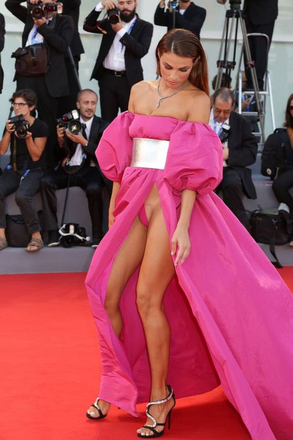 Giulia Salemi And Dayane Mello Forgot To Wear Underwear To