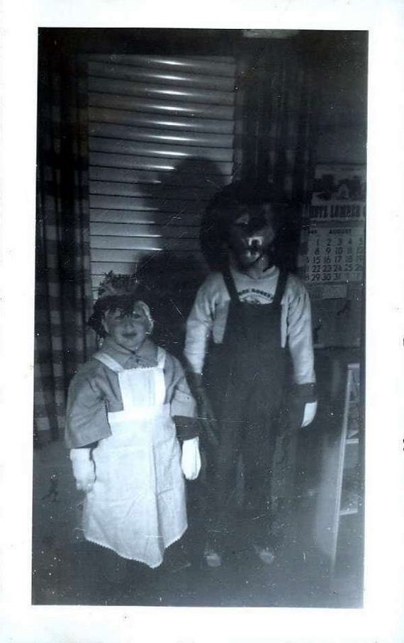 nightmarish-vintage-halloween-costumes