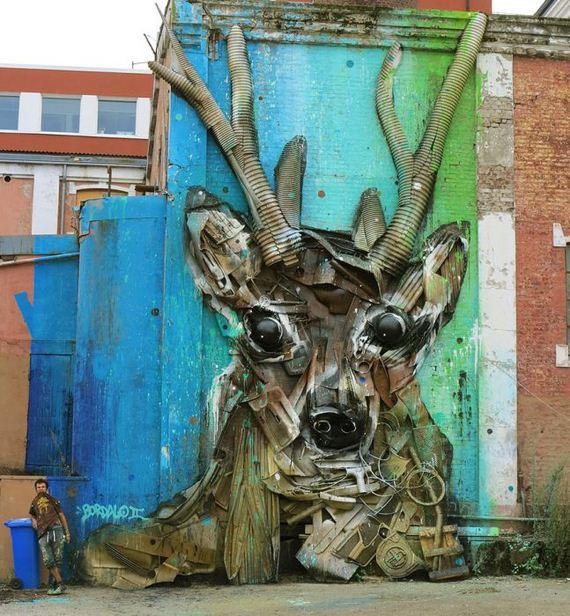 trash_animal_sculpture
