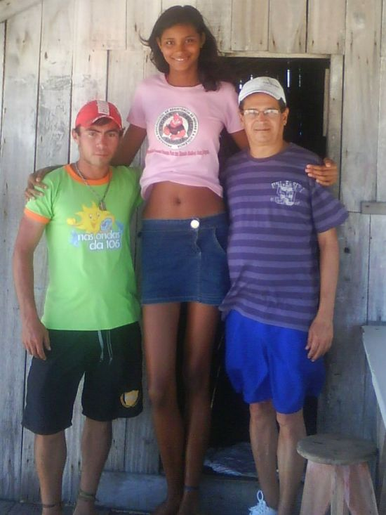 032 - The Tallest Teen Girl in the World - Weird and Extreme