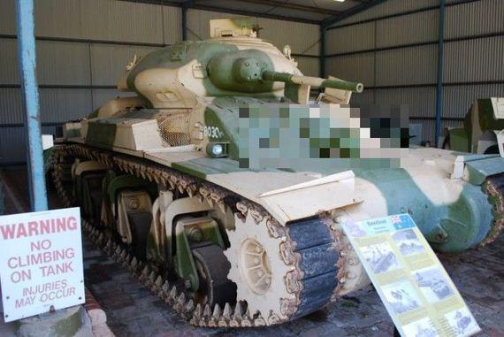 Funny Looking Sentinel Tank - Barnorama-3126